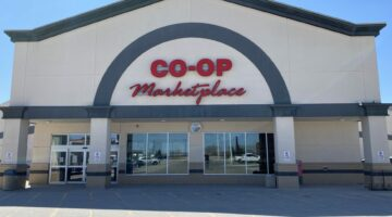 Front exterior of Co-op Shopping Centre in Portage la Prairie, MB.