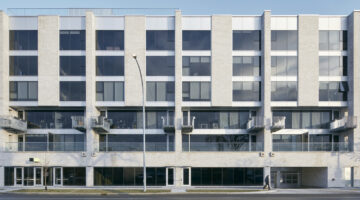 Exterior of Sherbrook Flats, 267 Sherbrook Street in Winnipeg, MB.