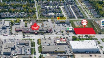 Aerial of 868 Regent Avenue West in Winnipeg, MB.